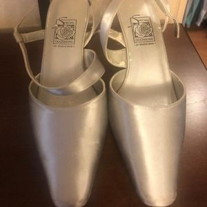 CLEARANCE: Silver Special Occasion Shoes: Saugus